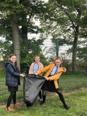 Dean Field Junior Wardens Litter Pick (12)
