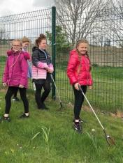 Dean Field Junior Wardens Litter Pick (13)