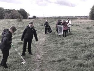 Dean Field Junior Wardens Litter Pick (14)