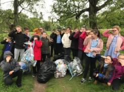Dean Field Junior Wardens Litter Pick (2)