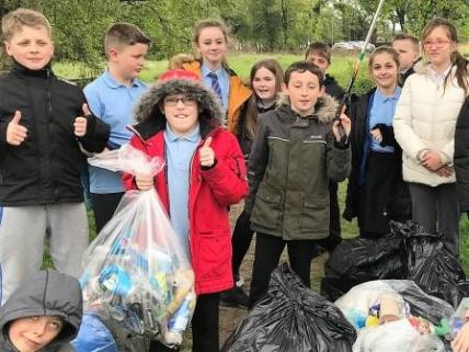 Dean Field Junior Wardens Litter Pick (3)