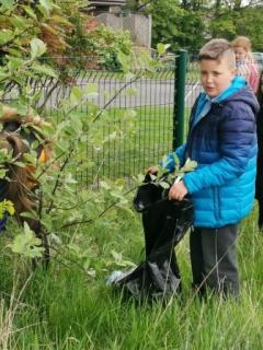 Dean Field Junior Wardens Litter Pick (6)