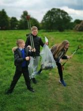 Dean Field Junior Wardens Litter Pick (7)